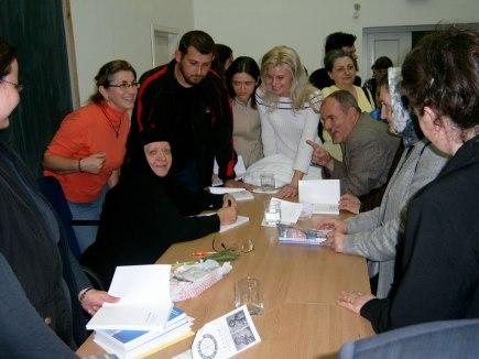 Maica Ecaterina Fermo la o conferinta la Oradea (ASCOR Oradea)