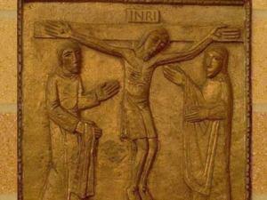 Iisus Hristos moare pe cruce pentru iubirea de oameni. Via dolorosa