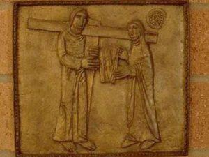 Veronica il intampina pe Iisus cu o mahrama cu care ii sterge sudoarea Via dolorosa