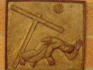A treia cadere a Mantuitorului cu crucea, Iisus se roaga Tatalui ceresc Via dolorosa