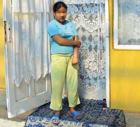 Florina fetita de 11 ani ramasa insarcinata-2