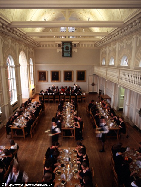 cambridge newnham college cuisine  dining hall